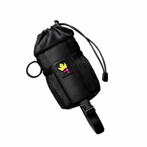 The Miss Grape Bud Mini Bar Bag is very convenient to use as a bottle cage or for the transport of those little objects useful to haveat hand, such as a camera, phone or small snacks.